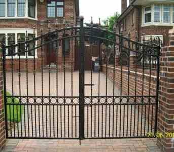 Metal driveway gates Blackpool