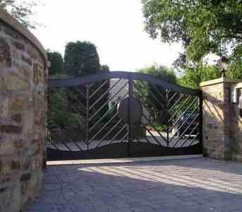 Metal driveway gates Preston