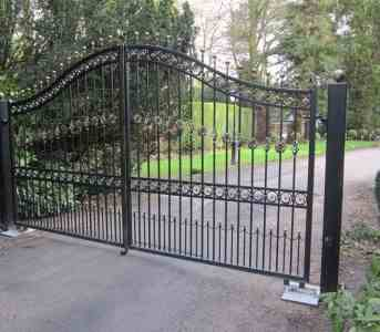 Steel driveway gates Preston